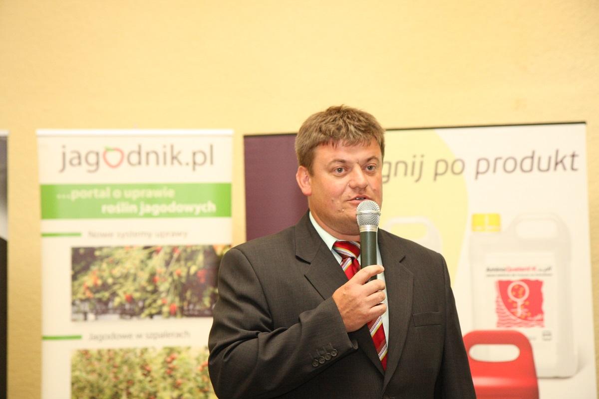 Zbigniew marek, nawożenie truskawek, jagodnik.pl, uprawa truskawek, ochrona truskawek